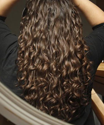 A Curly Girl Should Never Do These 3 Things