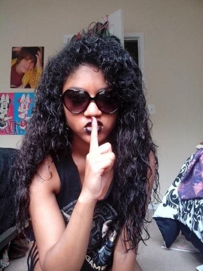 This is a picture of me with my natural hair doing the pretty little liars pose. 3b Out & Loose Wash and Go