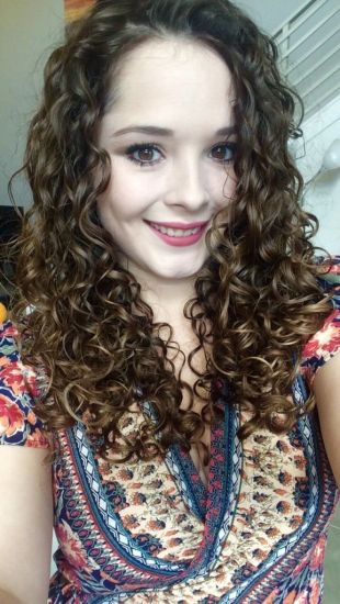 Nicole's Curly Routine 3a Out & Loose Long Curly Hair